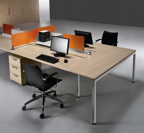Arredamento ufficio roma mobili contact roma for Scrivania grande da ufficio